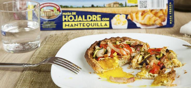 tartaletas-bacon-huevo-hojaldre-mantequilla-masa